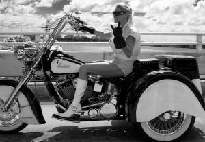 5473074680 F1cd8a5d18 Z-300x207 in Damen Motorrad-Lederjacke